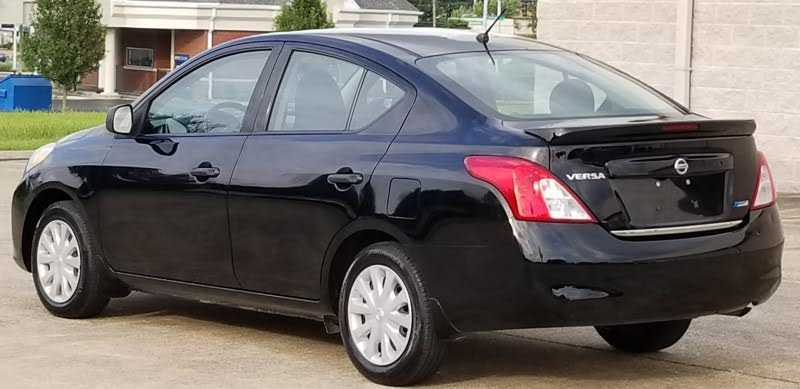 Nissan Versa 2014 $4900.00 incacar.com