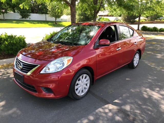 Nissan Versa 2014 $3995.00 incacar.com