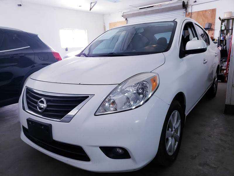 Nissan Versa 2014 $5995.00 incacar.com