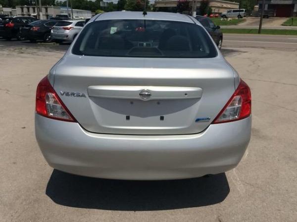 Nissan Versa 2014 $7450.00 incacar.com