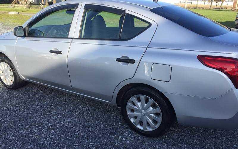Nissan Versa 2014 $5900.00 incacar.com