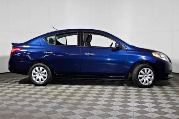 Nissan Versa 2014 $7404.00 incacar.com