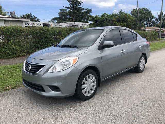 Nissan Versa 2014 $4790.00 incacar.com