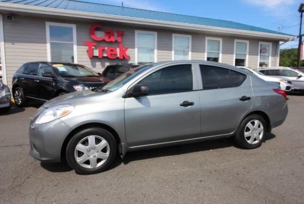 Nissan Versa 2014 $6885.00 incacar.com