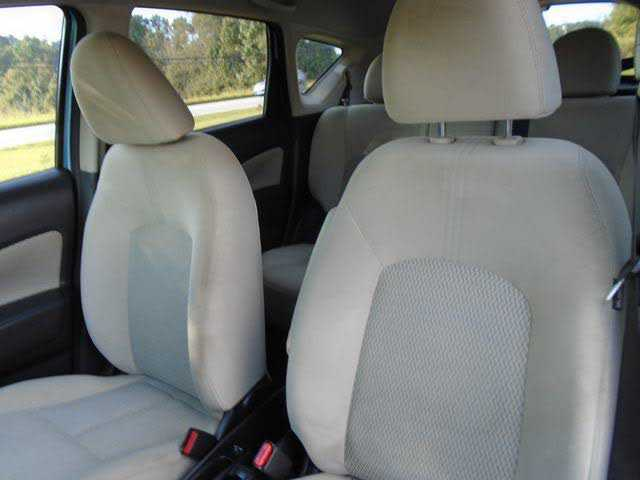 Nissan Versa 2014 $4990.00 incacar.com