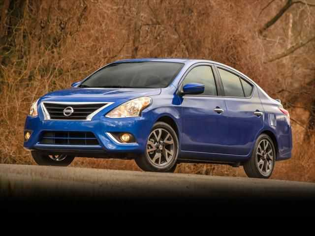 Nissan Versa 2015 $6500.00 incacar.com