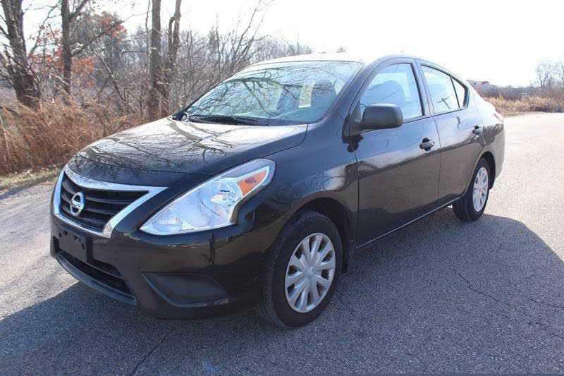 Nissan Versa 2015 $5975.00 incacar.com