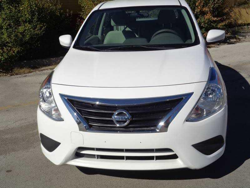 Nissan Versa 2015 $6950.00 incacar.com