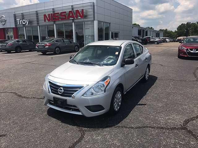 Nissan Versa 2015 $7400.00 incacar.com