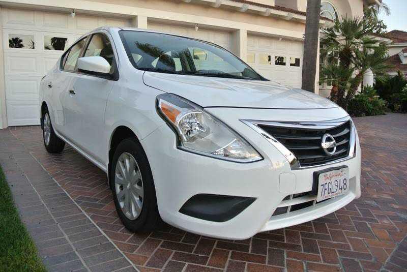 Nissan Versa 2015 $6190.00 incacar.com