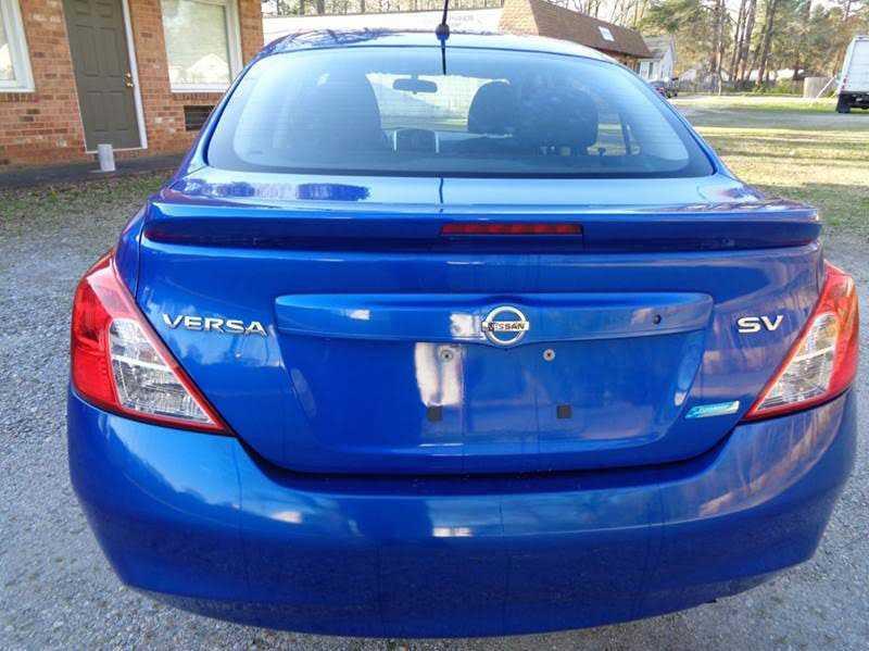 Nissan Versa 2015 $5800.00 incacar.com