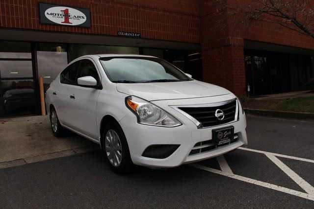 Nissan Versa 2015 $6987.00 incacar.com