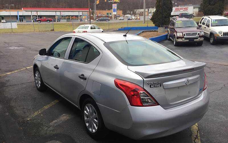 Nissan Versa 2015 $4495.00 incacar.com