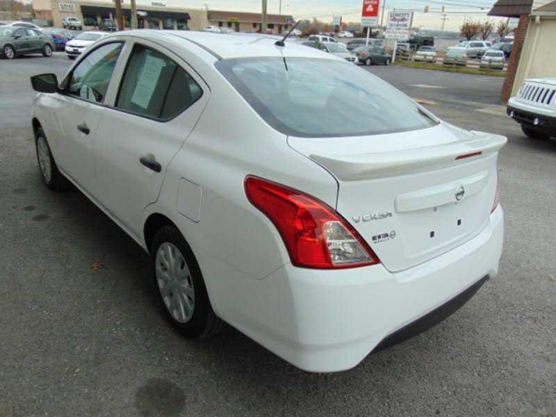 Nissan Versa 2017 $8529.00 incacar.com