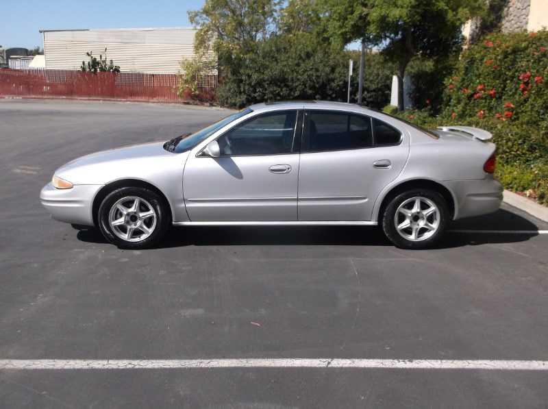 Oldsmobile Alero 2001 $2395.00 incacar.com