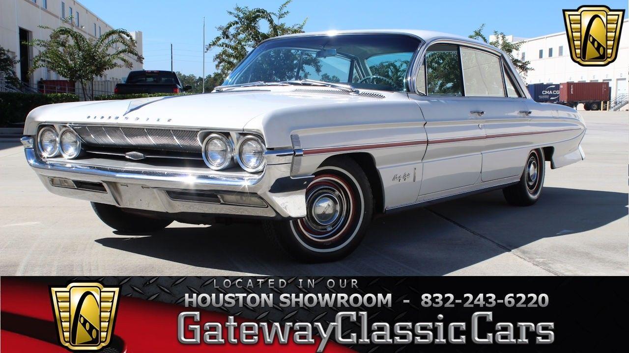 Oldsmobile Ninety-Eight 1961 $14995.00 incacar.com