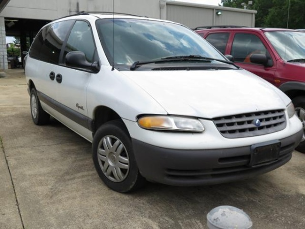 Plymouth Voyager 1998 $3500.00 incacar.com
