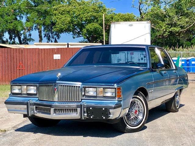 Pontiac Bonneville 1981 $7900.00 incacar.com