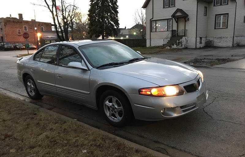 Pontiac Bonneville 2002 $1299.00 incacar.com