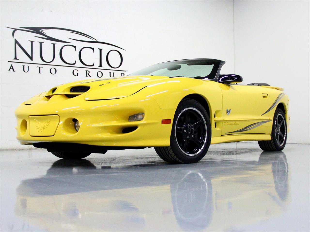 Pontiac Firebird 2002 $36.00 incacar.com