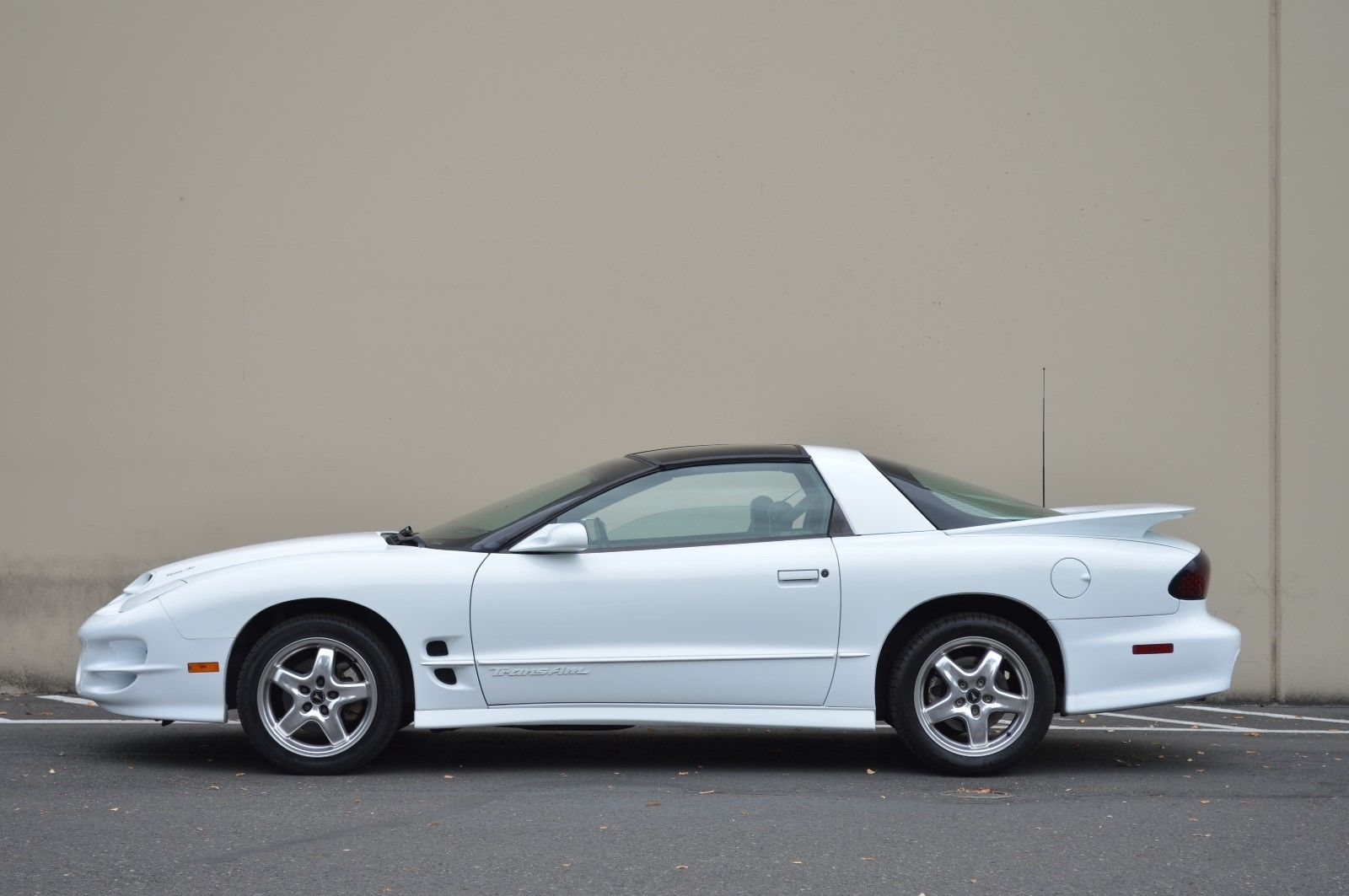 Pontiac Trans 2001 $19999.00 incacar.com