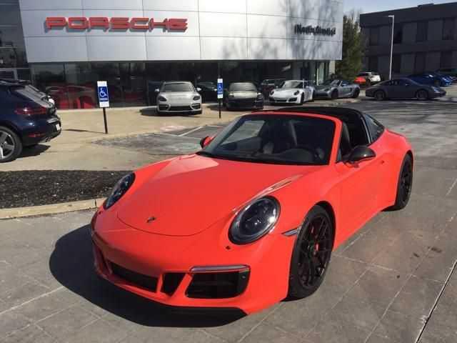 Porsche 911 2018 $152994.00 incacar.com