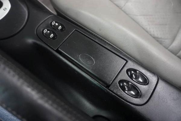 Porsche Boxster 2000 $17521.00 incacar.com