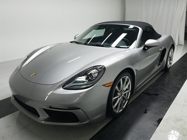 used Porsche Boxster 2017 vin: WP0CA2A89HS222126