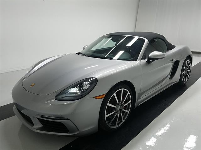 used Porsche Boxster 2017 vin: WP0CB2A87HS240640