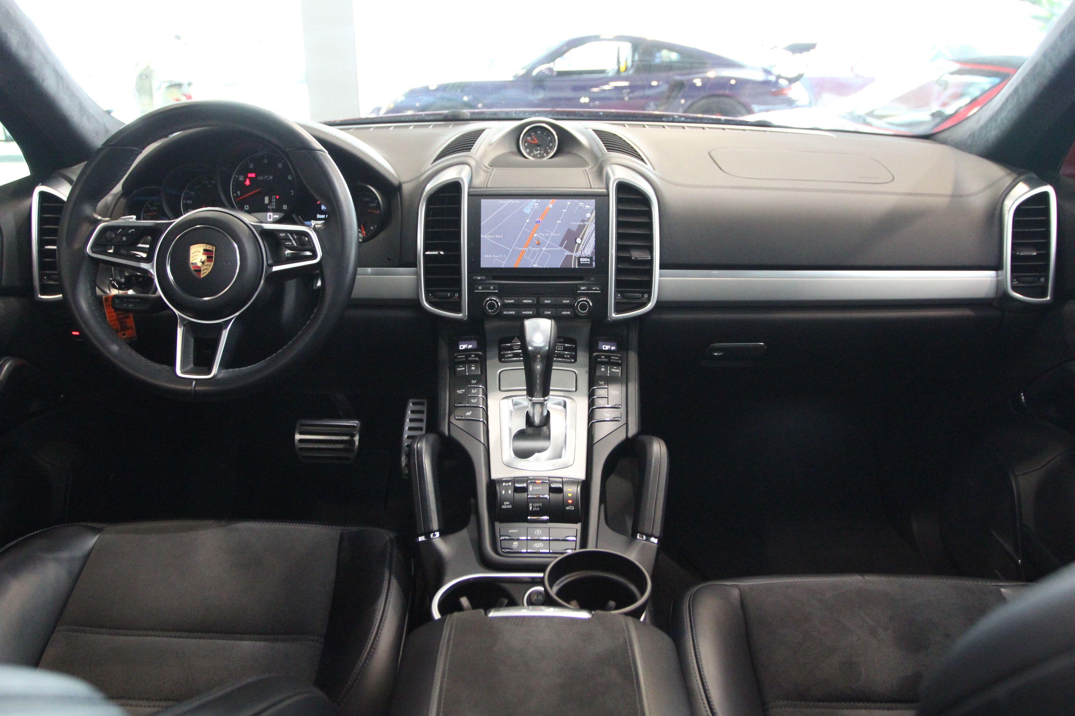 Porsche Cayenne 2017 $89995.00 incacar.com