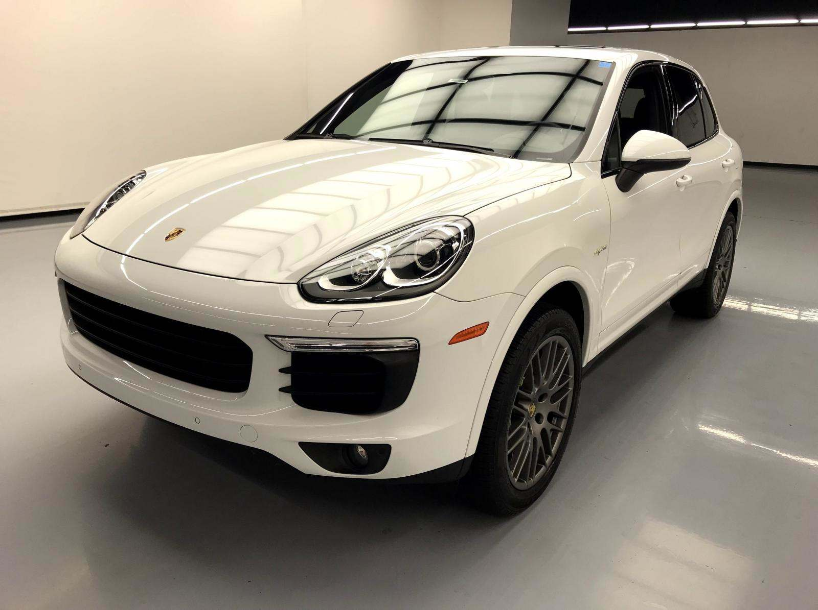 used Porsche Cayenne 2018 vin: WP1AE2A24JLA72447