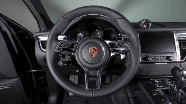Porsche Macan 2018 $47899.00 incacar.com