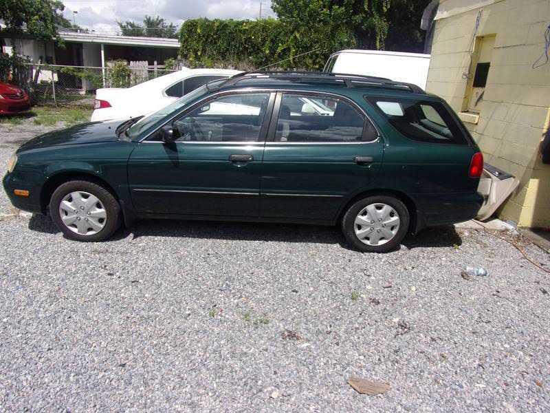 Suzuki Esteem 2000 $1200.00 incacar.com