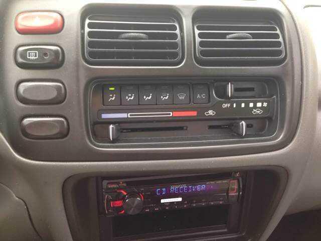 Suzuki Grand Vitara 2000 $2995.00 incacar.com