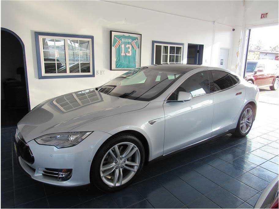 used Tesla Model S 2014 vin: 5YJSA1H15EFP52732
