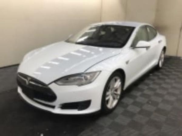 Tesla Model S 2015 $37995.00 incacar.com