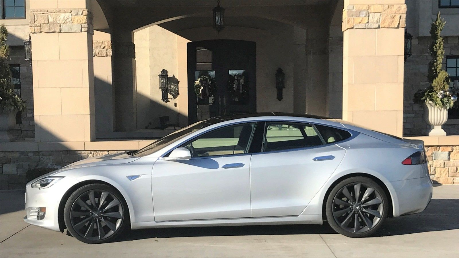 Tesla Model S 2016 $67000.00 incacar.com