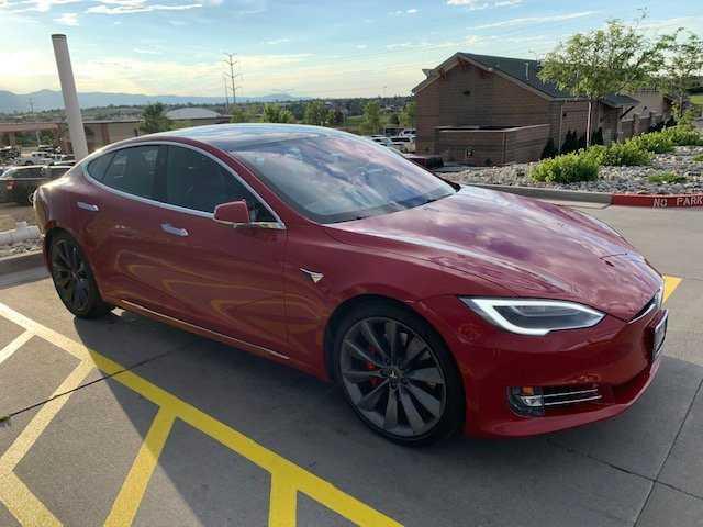 Tesla Model S 2017 $99995.00 incacar.com