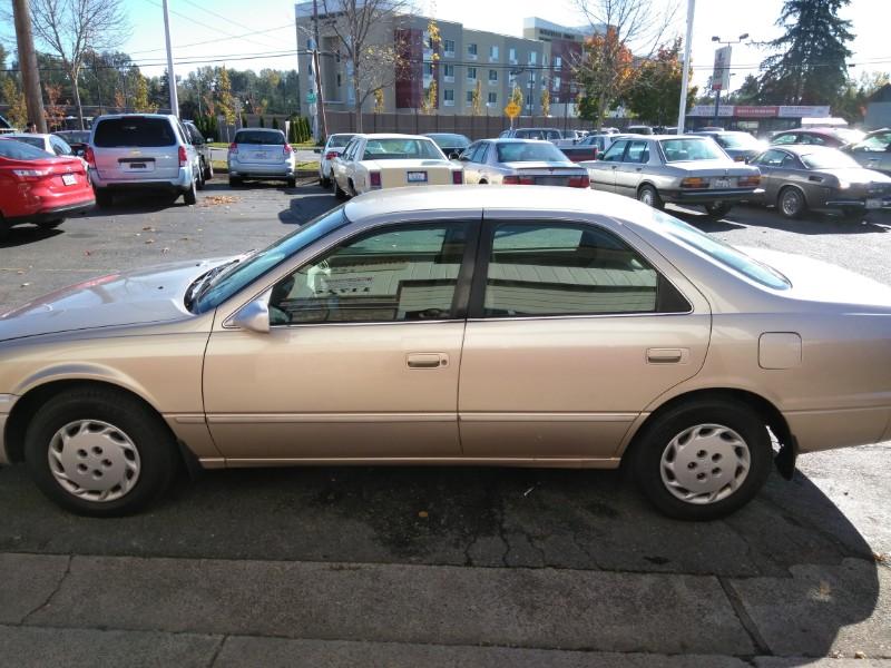 Toyota Camry 1997 $3699.00 incacar.com