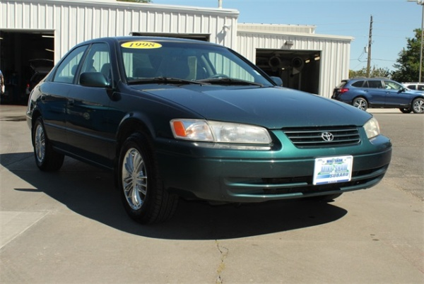 Toyota Camry 1998 $3472.00 incacar.com