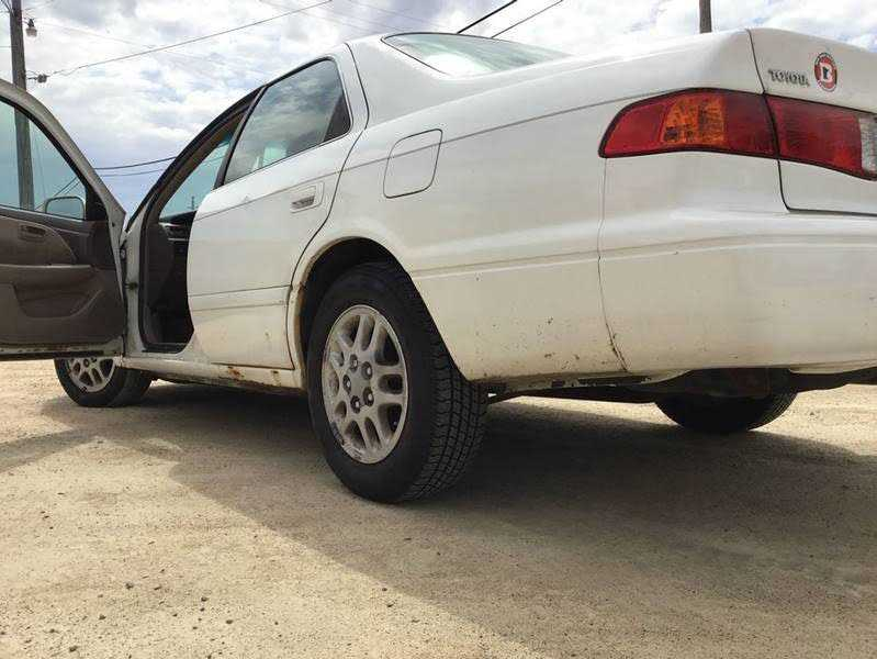 used Toyota Camry 2000 vin: JT2BF22K4Y0261850