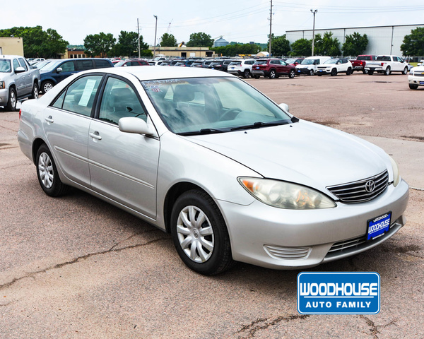 used Toyota Camry 2005 vin: 4T1BE32K45U942283