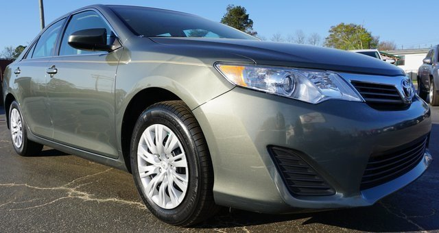 Toyota Camry 2012 $13400.00 incacar.com