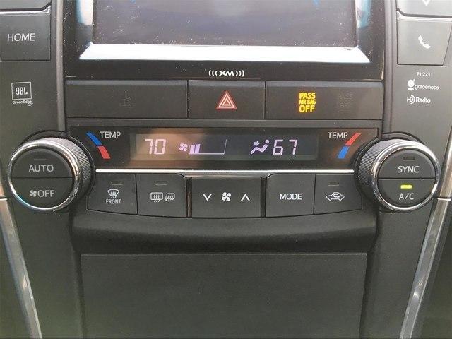 Toyota Camry 2017 $18888.00 incacar.com