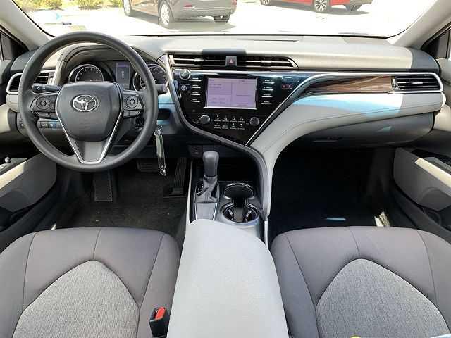 Toyota Camry 2018 $20995.00 incacar.com