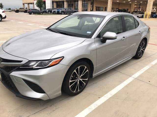 Toyota Camry 2018 $21991.00 incacar.com