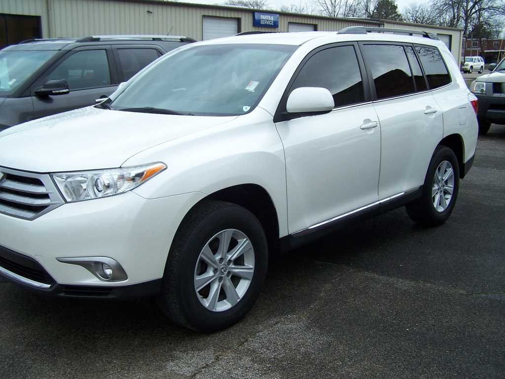 Toyota Highlander 2013 $28390.00 incacar.com