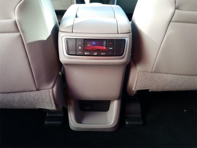 Toyota Highlander 2016 $28800.00 incacar.com