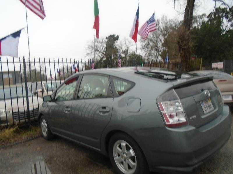 Toyota Prius 2005 $4000.00 incacar.com