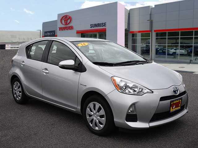 Toyota Prius 2014 $13500.00 incacar.com